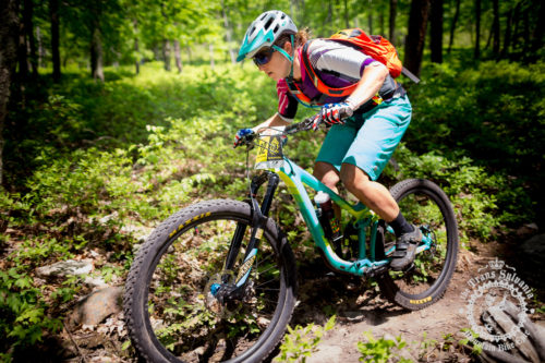 Kaysee Armstrong (Liv) has been one of the top cross country and enduro riders in the solo women's category this week. She broke a chain during stage 3 of the NoTubes Trans-Sylvania Epic, but fortunately, it was between the timed enduro segments, so she still finished second in the stage.