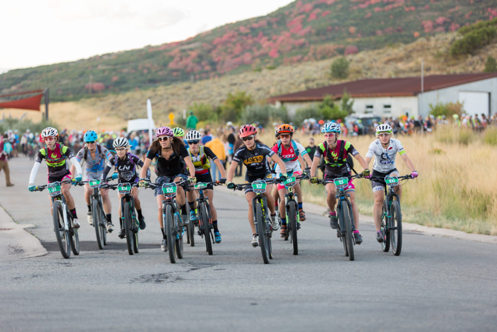 Pro women roll off the start line. Photo by: Selective Vision